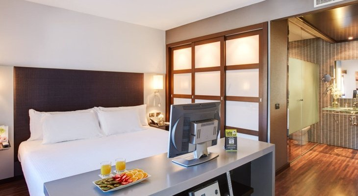 We introduce the spacious Suites at Sercotel Ciutat d'Alcoi ...